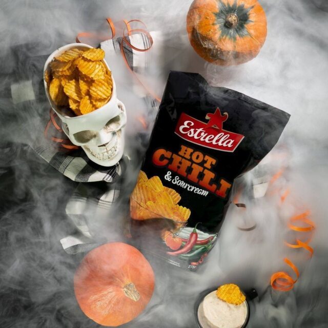 Sipsi vai kepponen? 😋👻🎃  #ilontähden #halloween #sipsit #karkkivaikepponen #pyhäinpäivä #viikonloppu #perjantai #sipsit #herkku