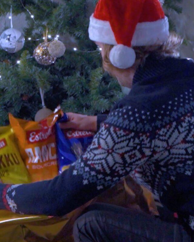 Parhaat paketit ovat rapeita. 😋🤩  #joulu #lahjat #ilontähden #joululahja #herkku #sipsit