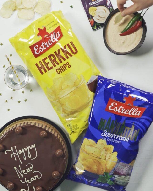 Ihan kohta se vuosi taas vaihtuu. 🥳🤩 Mitä herkkuja sun uudenvuoden juhlintaan kuuluu?   #ilontähden #uusivuosi #vuodenvaihde #herkut #sipsit #dippi #estrellasuomi